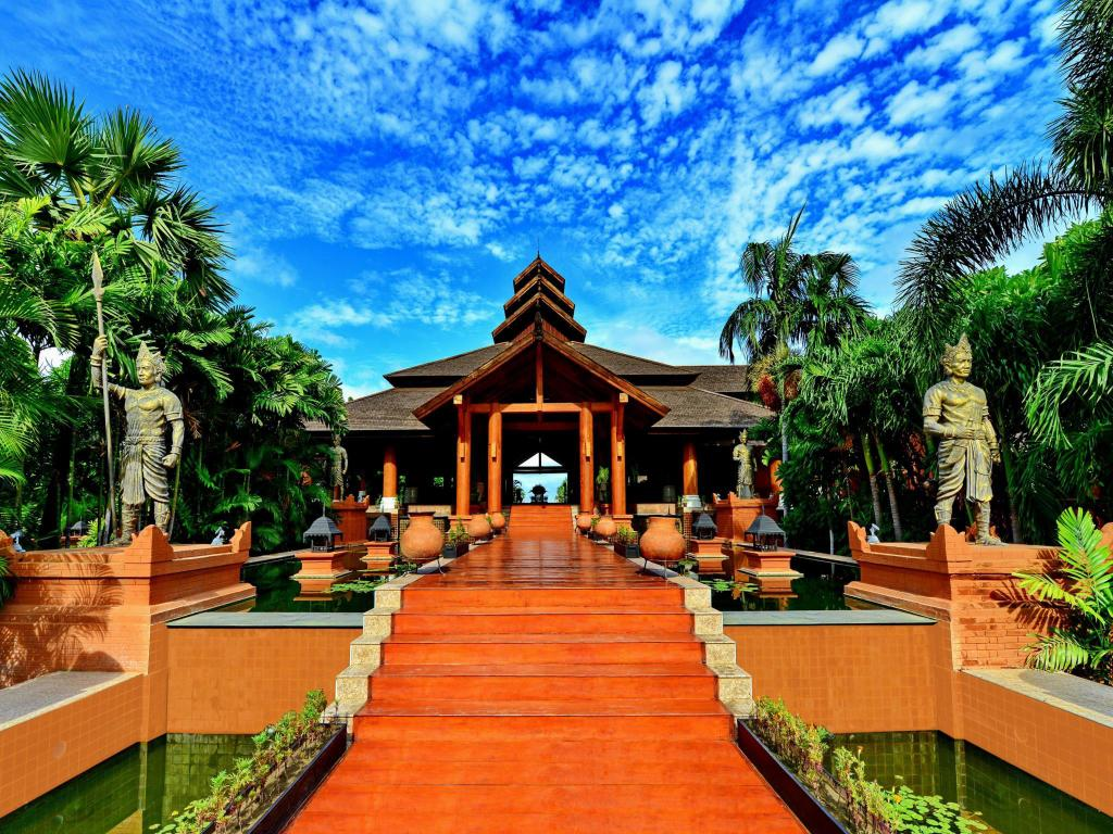 Aureum Palace Hotel & Resort in Bagan - Room Deals, Photos