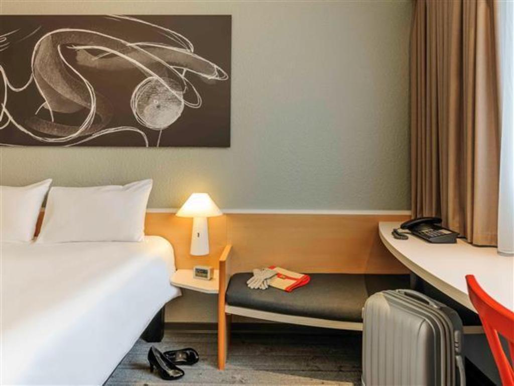 das ibis luebeck city in l beck buchen. Black Bedroom Furniture Sets. Home Design Ideas