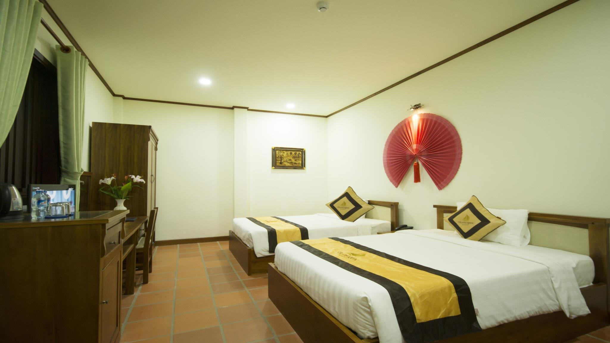 Kamar Deluxe Twin dengan Balkon (Deluxe Twin Room with Balcony)