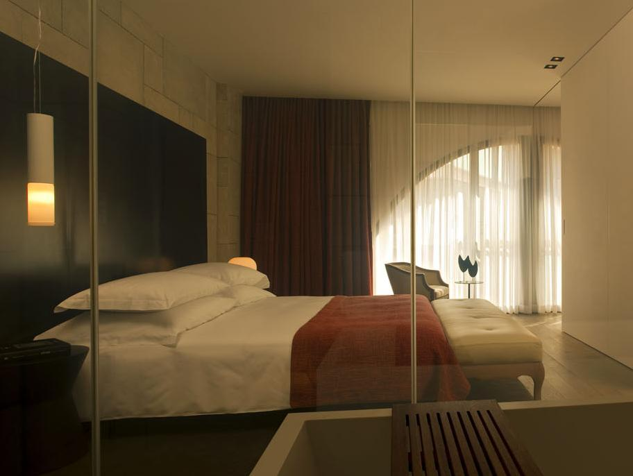Mamilla Suite (2 adults 1 child)
