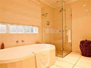 Double - Full En-Suite