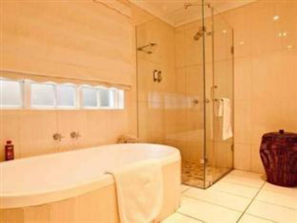 Double - Full En-Suite - Bathroom Manaar House