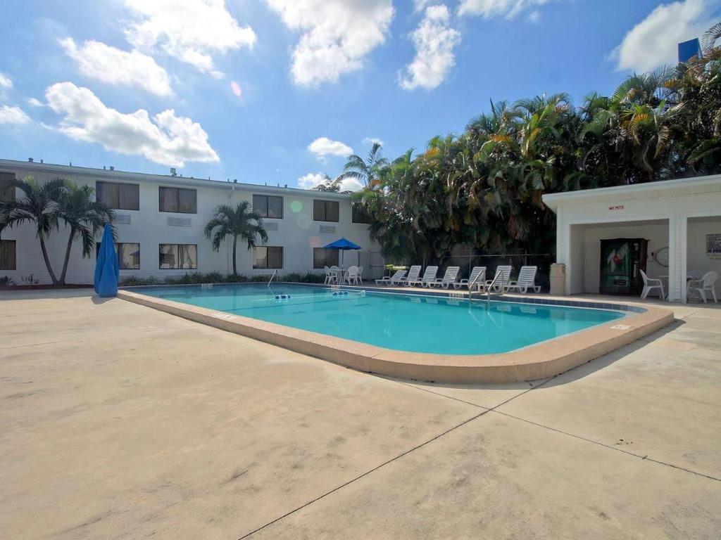 Motel 6 Fort Lauderdale In Fort Lauderdale Fl Room Deals Photos Reviews