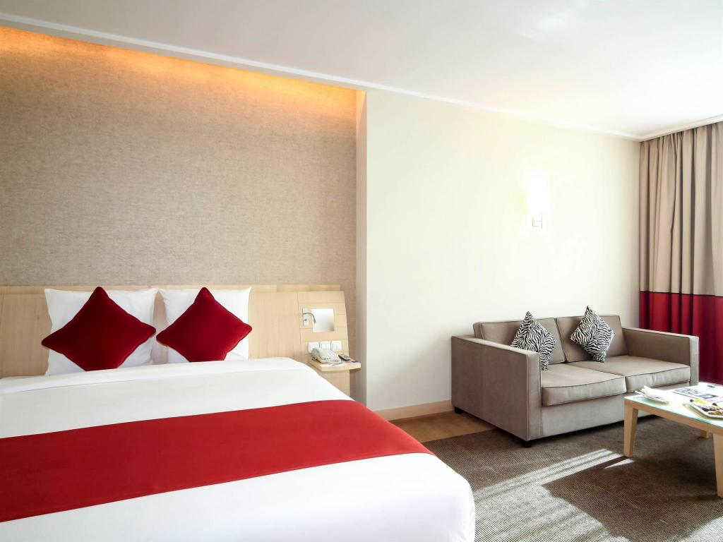 Superior with 1 Queen Bed and Sofa - Bed Novotel Riyadh Al Anoud Hotel