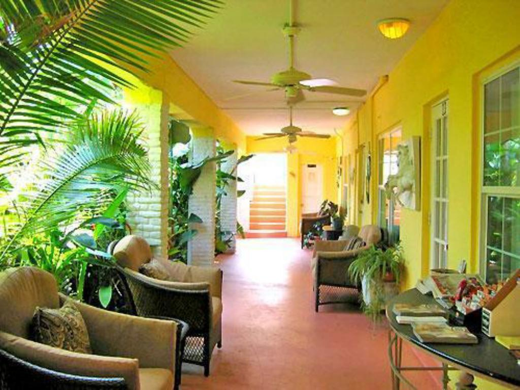 Interior view Grand Palm Plaza (Gay Male Clothing Optional Resort) A North Beach Village Resort Hotel