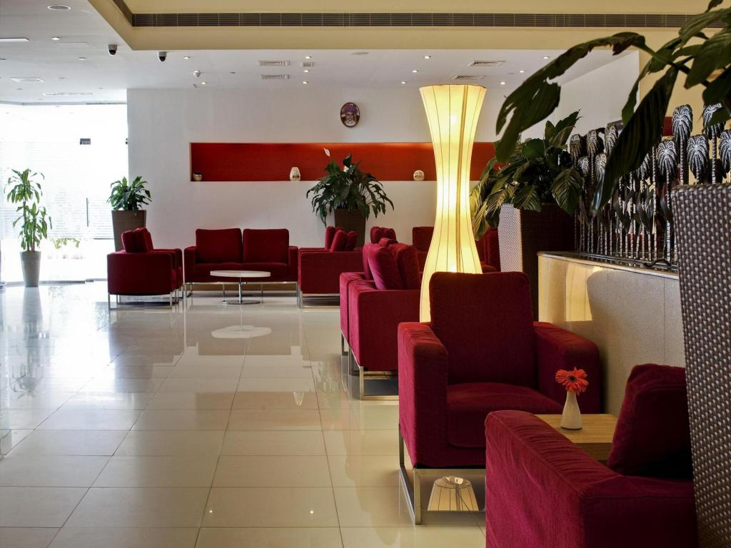 Lobby Park Inn by Radisson Muscat