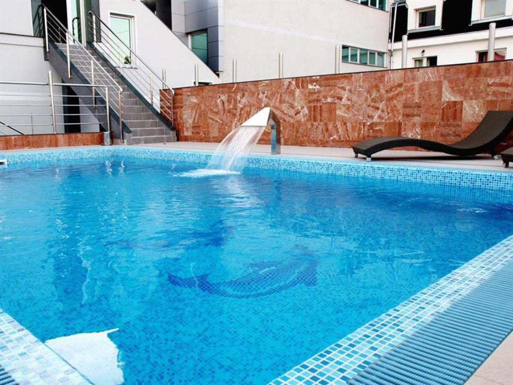 Swimming pool Prezident Hotel
