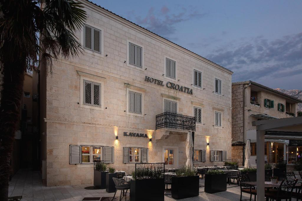 More about Hotel Croatia