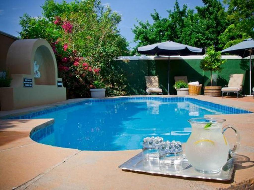 Pool Rusthuiz Guest House