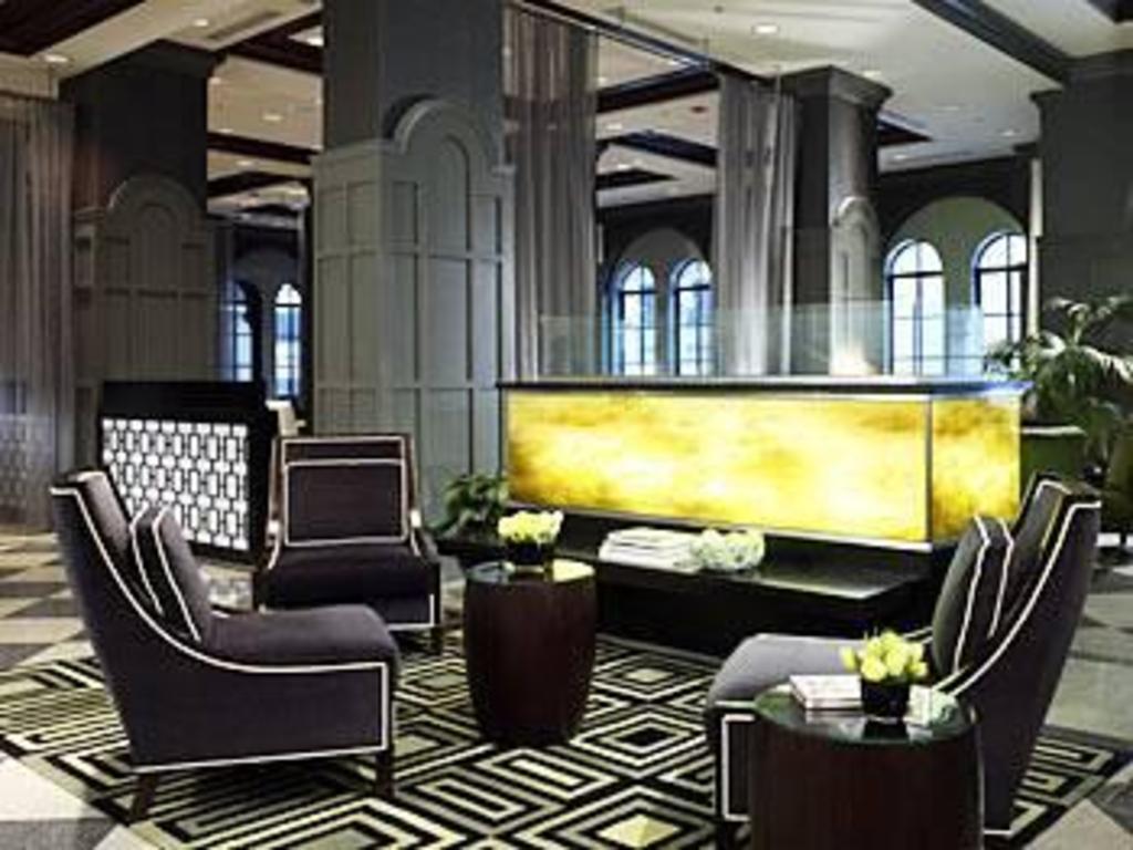 warwick allerton hotel chicago in chicago il room. Black Bedroom Furniture Sets. Home Design Ideas