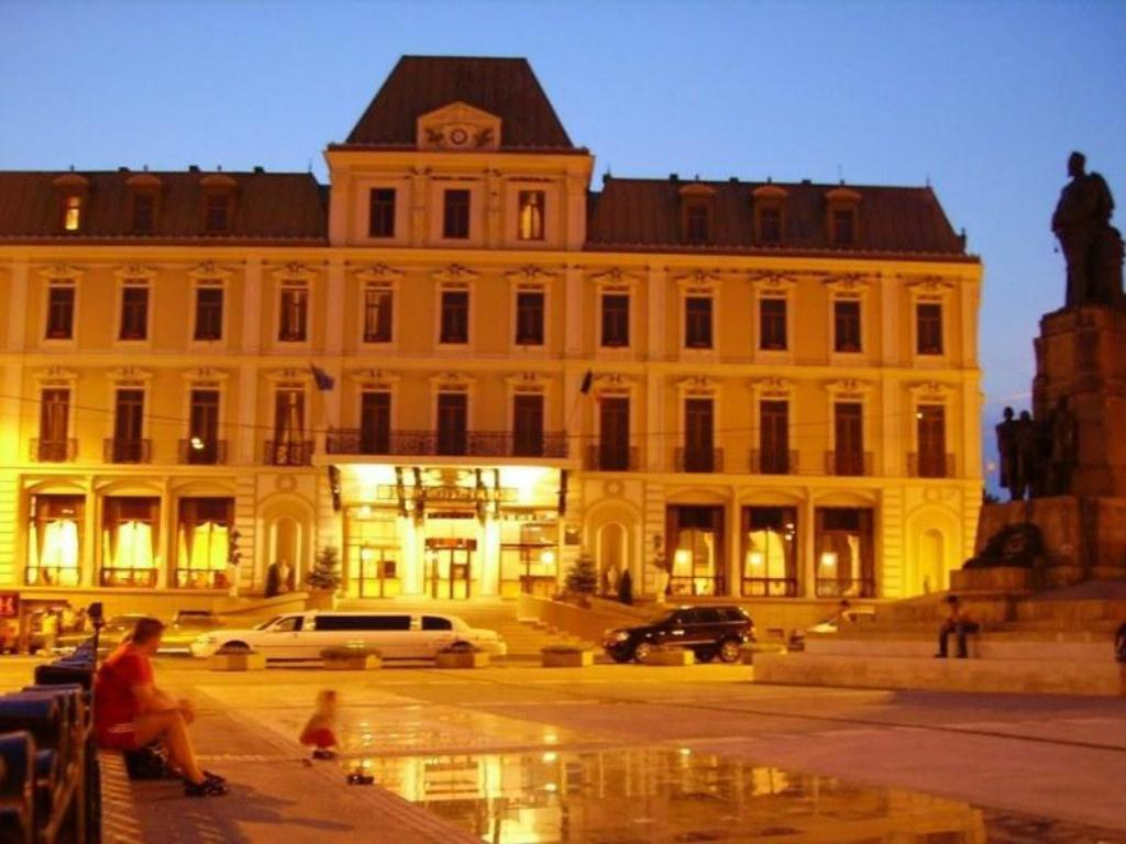 More about Grand Hotel Traian