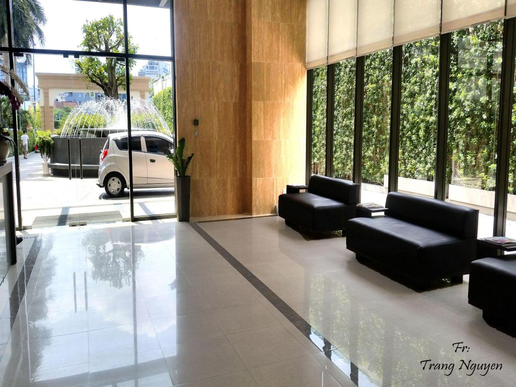 Lobi 3 bedroom mini penthouse in Saigon centre with  rooftop pool