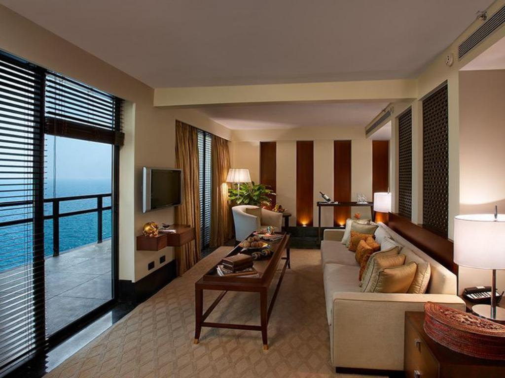 Club Duplex Suite The Leela Raviz Kovalam