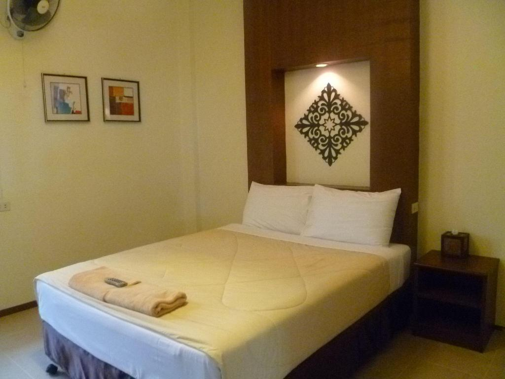 Standard dengan Kipas Angin Good Night Chiang Mai Hotel