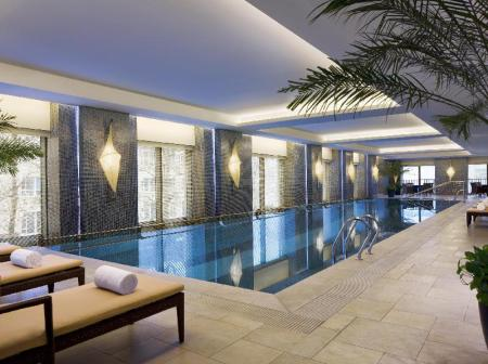 Swimming pool The Sandalwood, Beijing - Marriott Executive Apartments