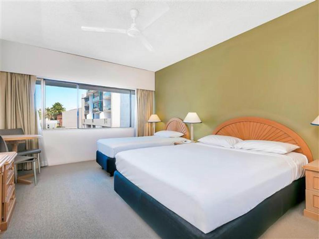 Standard Queen and 1 Single bed - Bed Ibis Styles Cairns Hotel