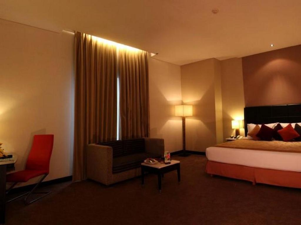 Golden Flower Hotel in Bandung - Room Deals, Photos & Reviews