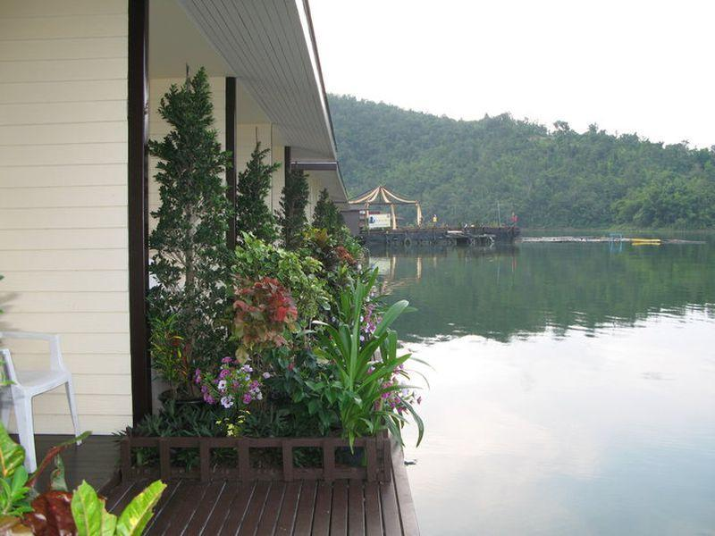 raya buri resort in si sawat kanchanaburi room deals photos rh agoda com