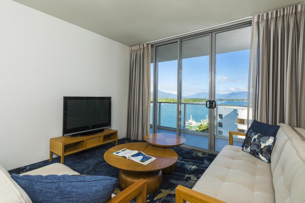 1-Bedroom Superior Apartment Sebel Cairns Harbour Light