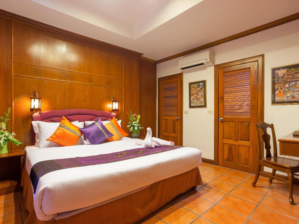 Standard Room Royal Phawadee Village Patong Beach Hotel