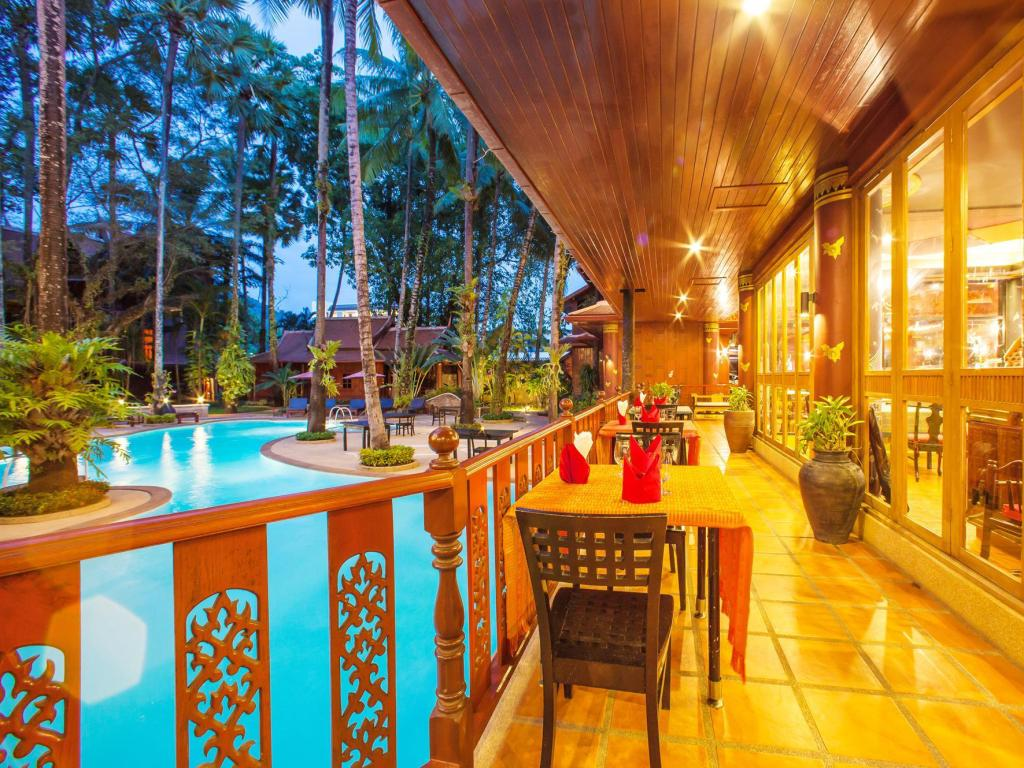 Interior view Royal Phawadee Village Patong Beach Hotel