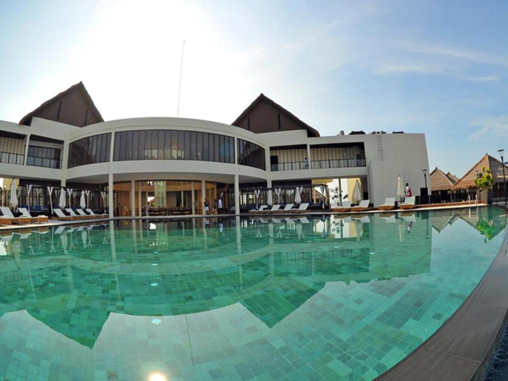 Best price on avani sepang goldcoast resort in kuala - Homestay in kuala lumpur with swimming pool ...