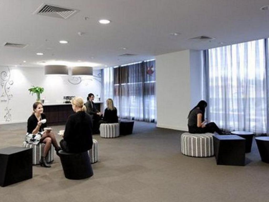 Lobby Punthill Apartment Hotels Dandenong