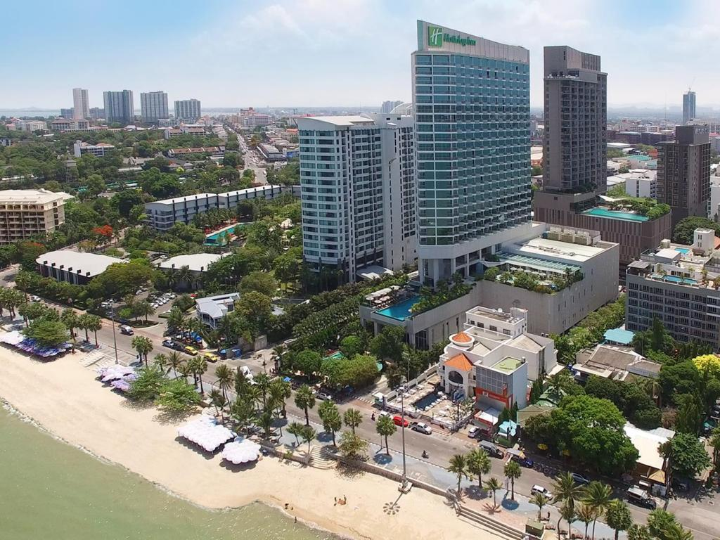 More about Holiday Inn Pattaya