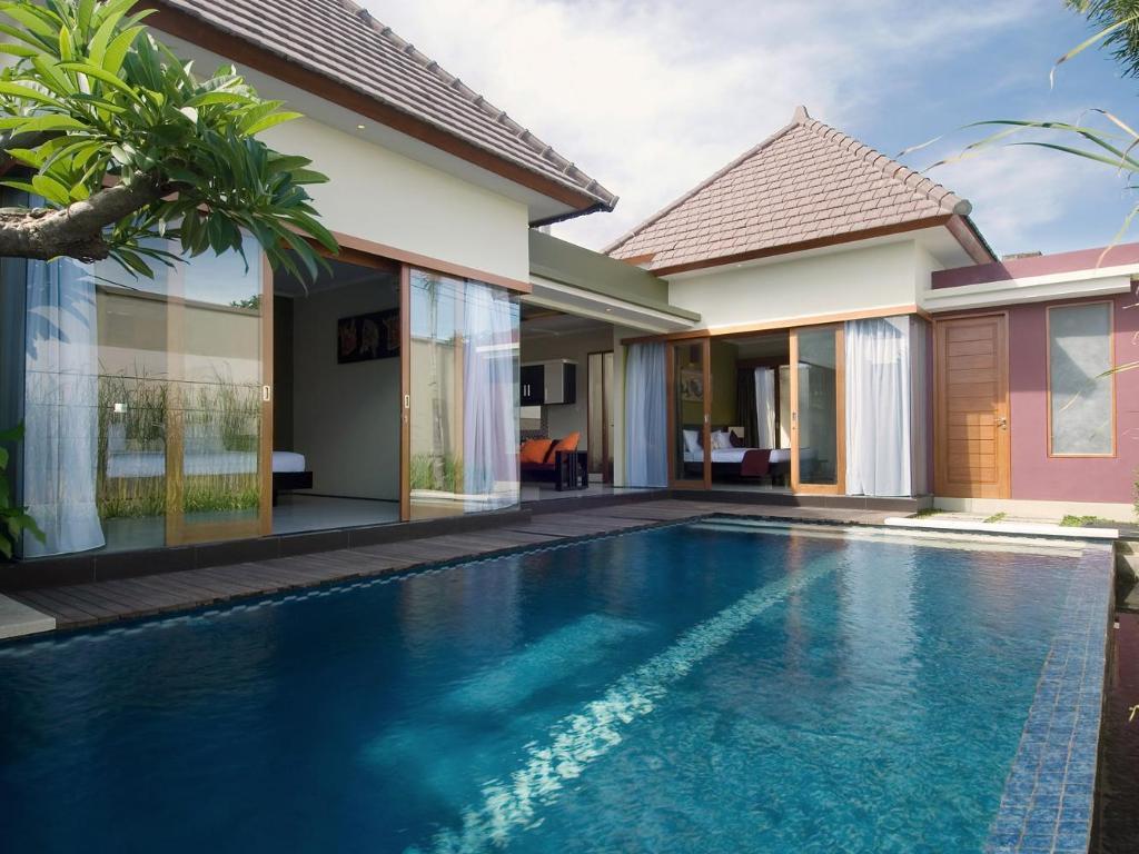 バリ スイス ビラ ホテル (Bali ...