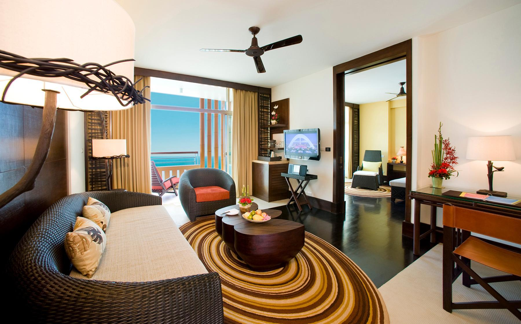 Club Mirage Twin Suite