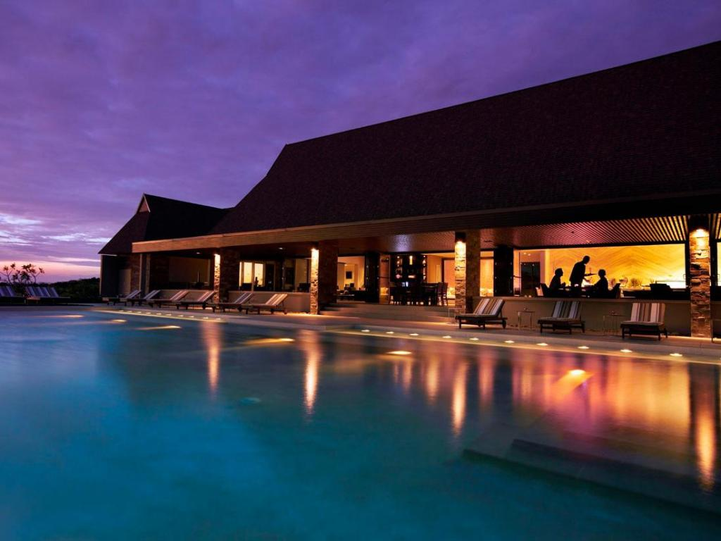 Pool InterContinental Fiji Golf Resort & Spa
