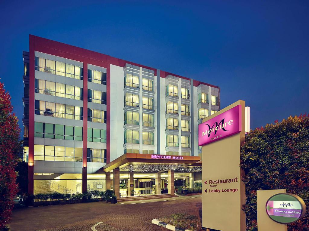 More about Mercure Pontianak Hotel