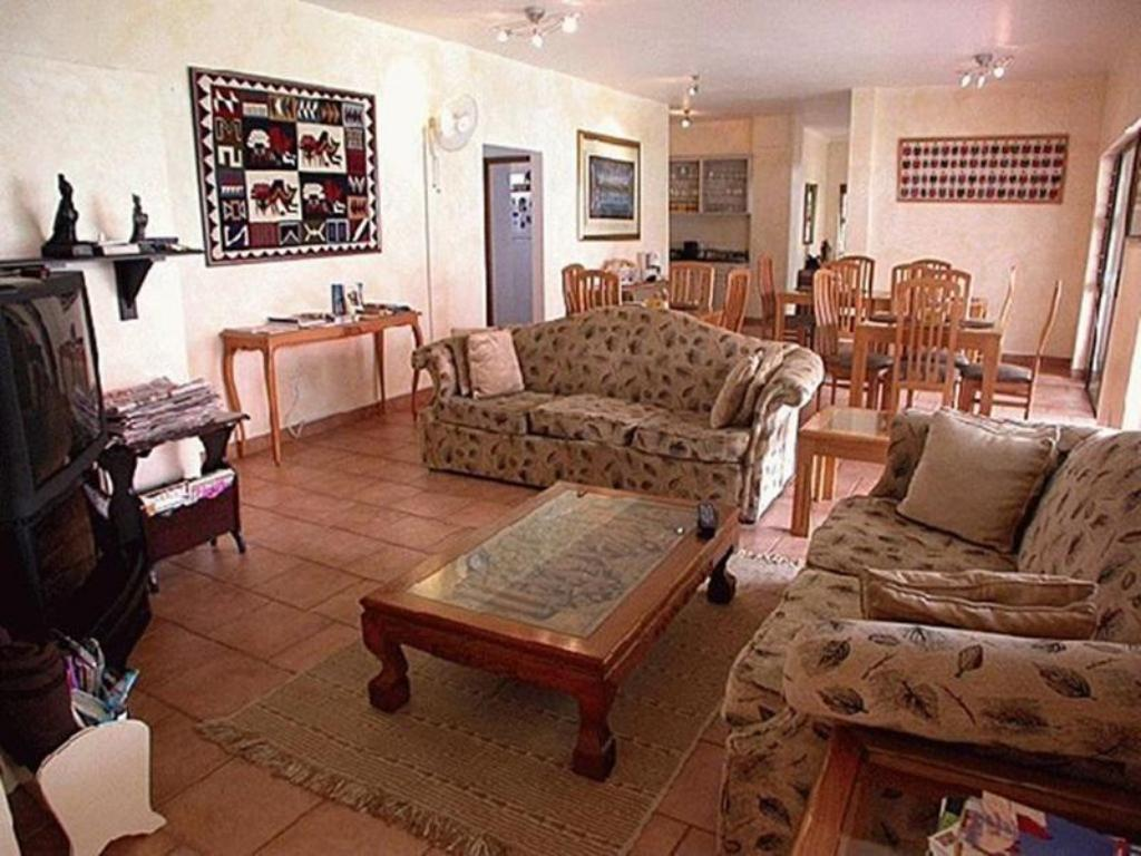 Interior view Centre Court Bed and Breakfast