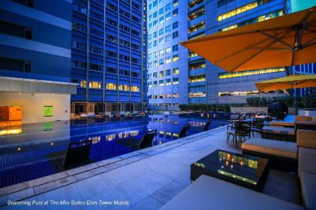 Swimming pool [outdoor] The Mini Suites - Eton Tower Makati