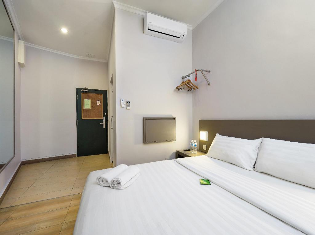 Double Room with Window Tune Hotel – 1Borneo Kota Kinabalu