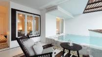 Veranda Pool Suite