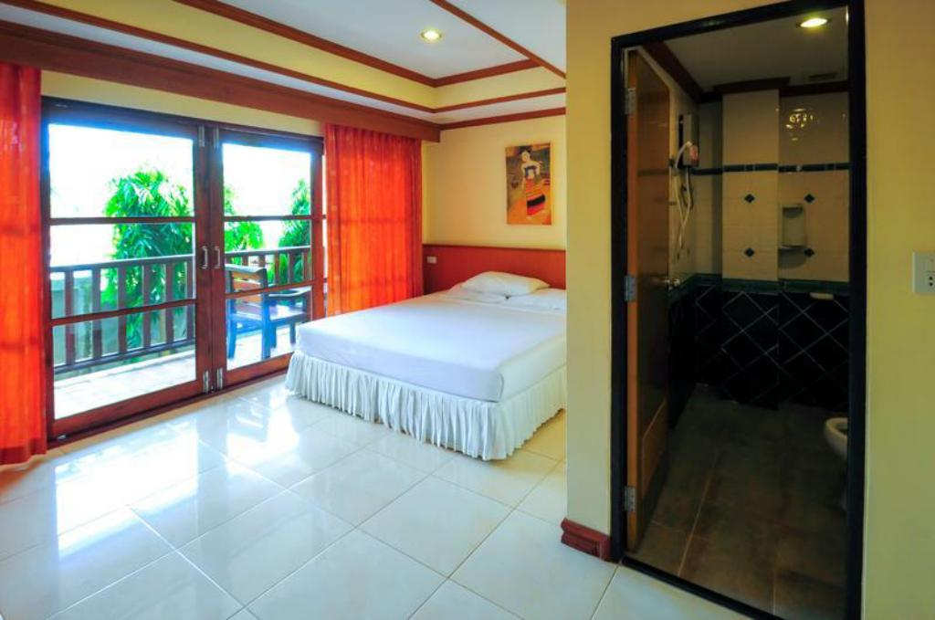 Deluxe Room with 1 Queen Bed Non Smoking - Bed Alina Grande Hotel and Resort