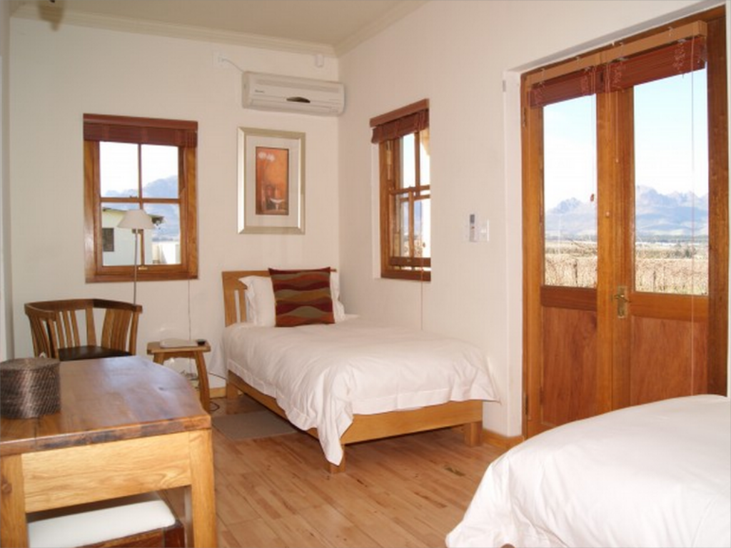 Disabled Room - Guestroom LovanE Boutique Wine Estate and Guest House
