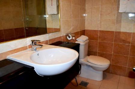 Bathroom Lintas Plaza Boutique Hotel