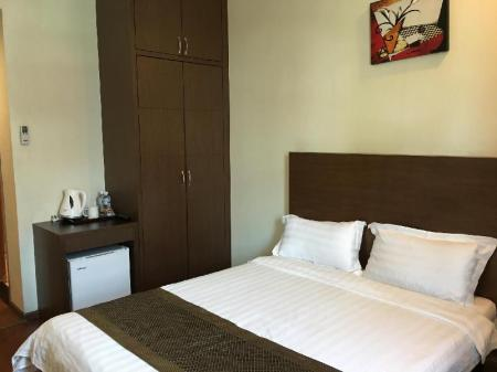 Superior Queen Lintas Plaza Boutique Hotel
