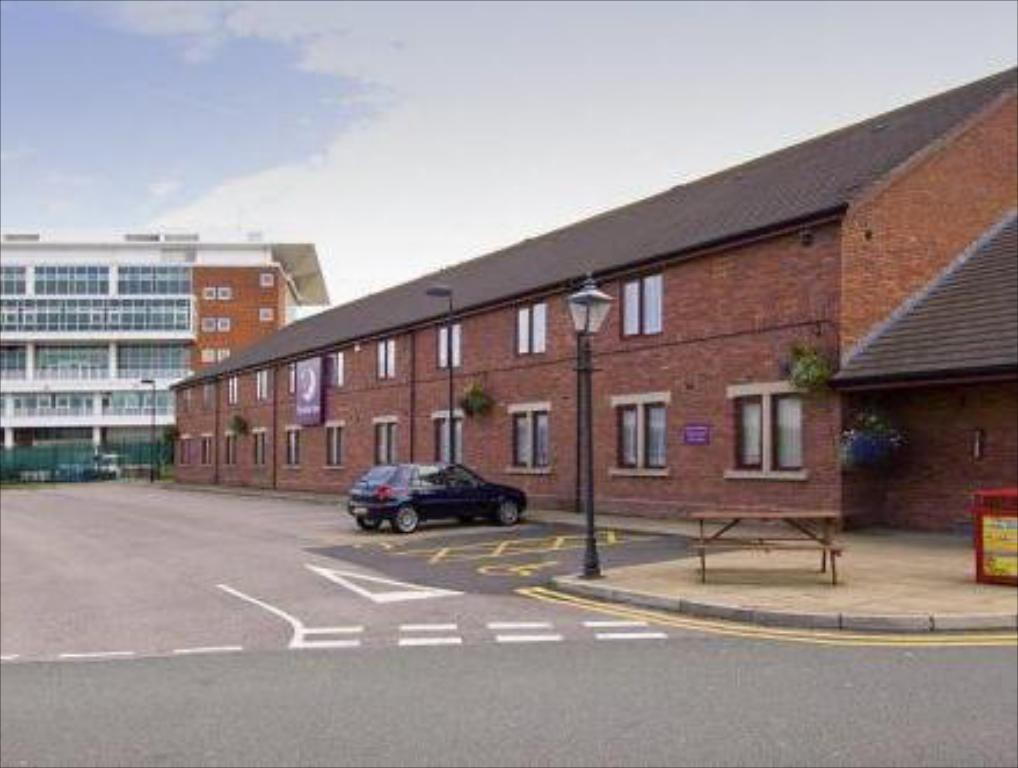 Exterior view Premier Inn Liverpool - Aintree