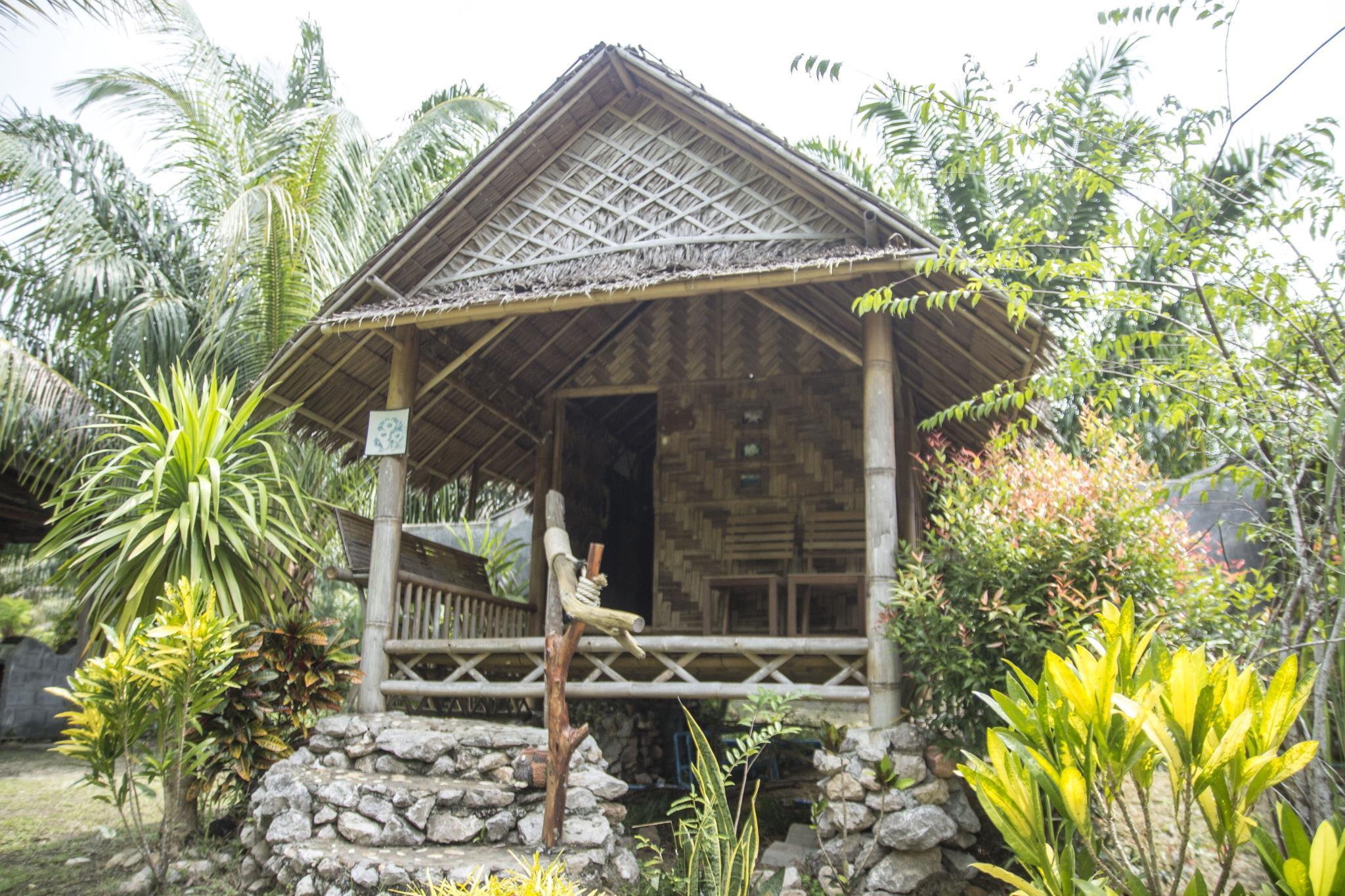 Cottage Bamboo (Bamboo Cottage)