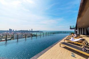 The BASE Central Condo Pattaya By Favstay