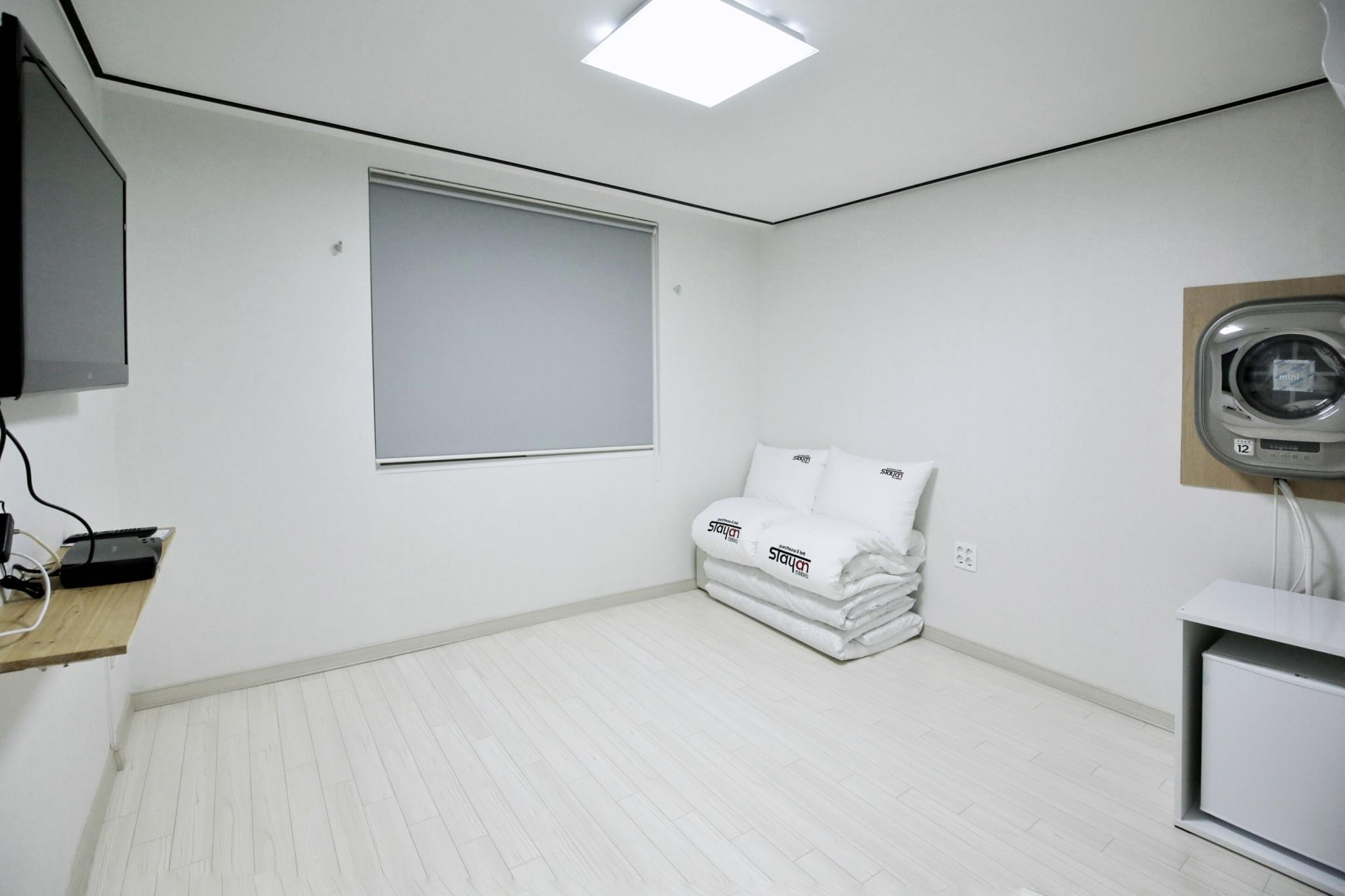 Kamar Twin Bergaya Korea (Korean Style Twin Room)