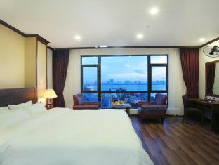 West Lake Home Hotel & Spa