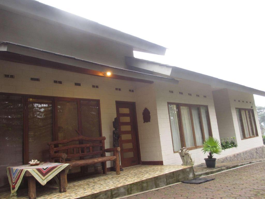 Airi Villa Hotel Dekat Taman Maribaya Tarif Hotel Terbaik Yang Berada Di