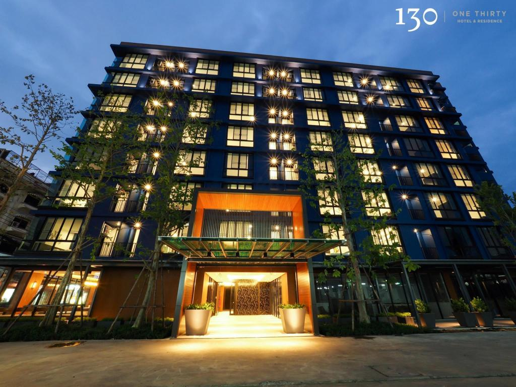 130 hotel residence bangkok in thailand room deals for Hotel bangkok