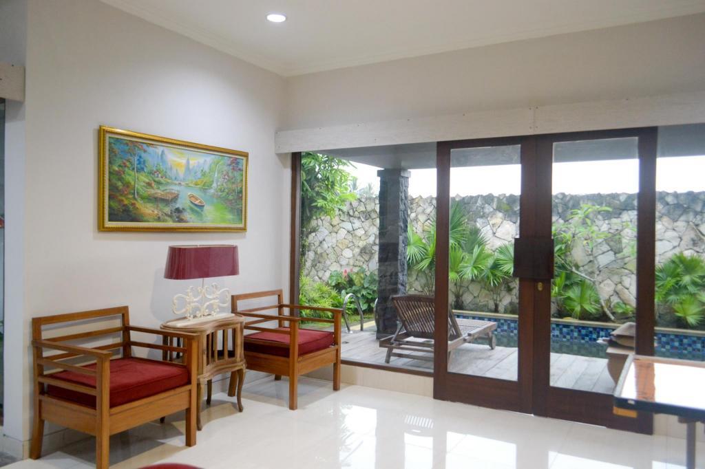 Best Price On The Cabin Villa In Yogyakarta Reviews