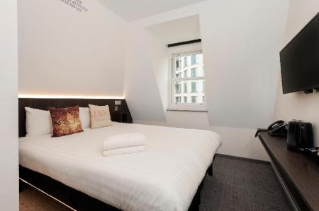 Heeton Concept Hotel Luma Hammersmith In London Room Deals Inspiration Lights In The Bedroom Concept Property