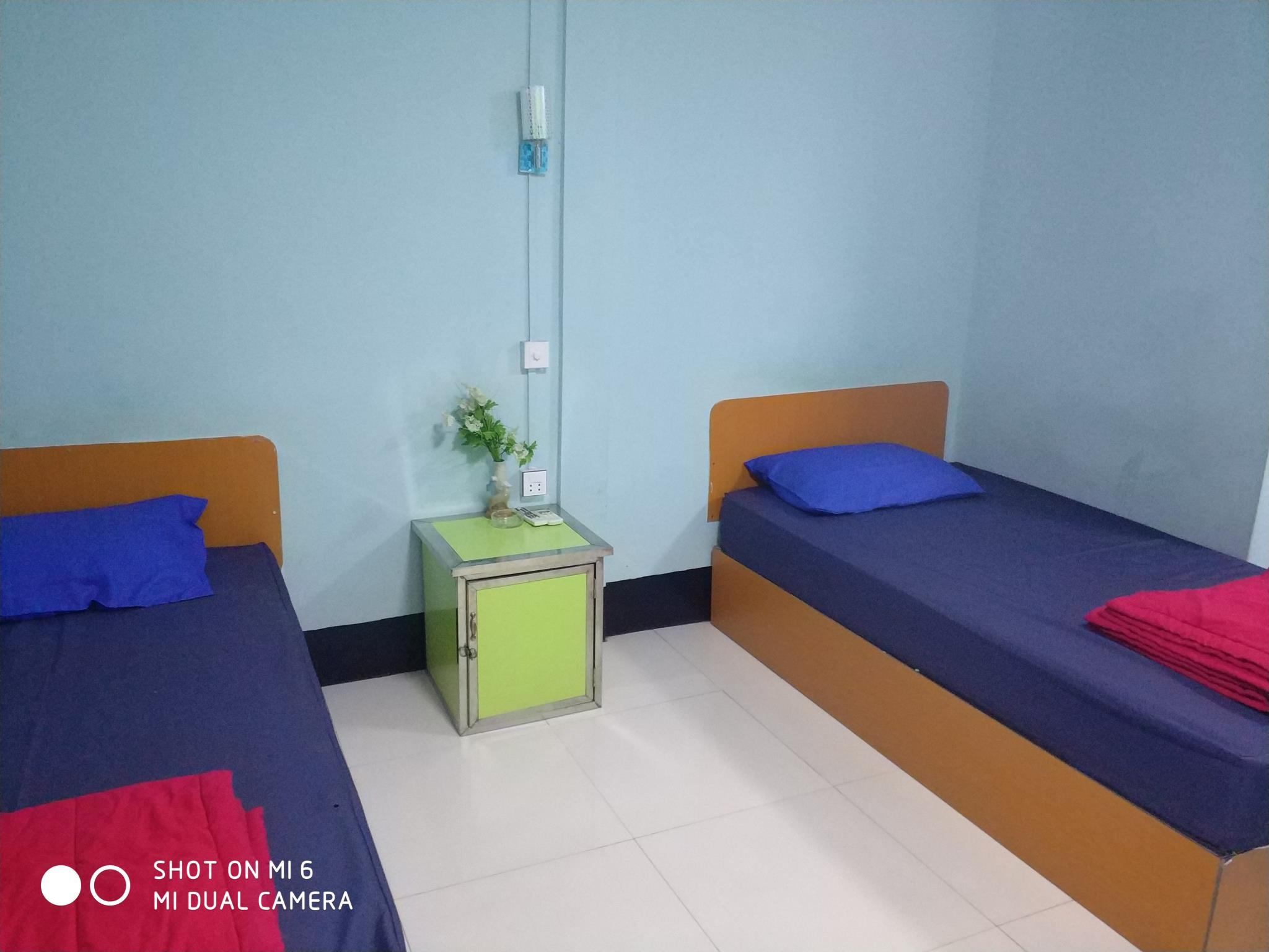 Kamar Standard Twin (Standard Twins Room)
